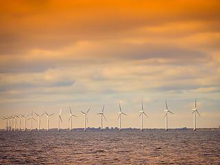 Óriási szélfarmot építene az Atlanti-óceánra Joe Biden