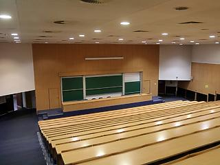 Koronavírus: külföldi diákok maradhatnak az egyetemi kollégiumokban
