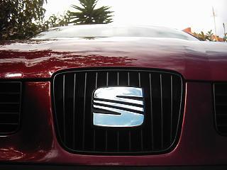 Elektromos és hibrid autókat dob piacra a Seat is