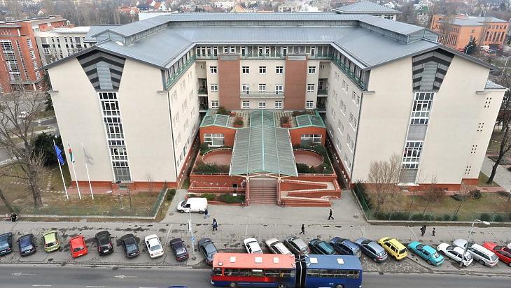 A budapesti Szent Imre Kórház is oltópont lesz. Fotó: mti