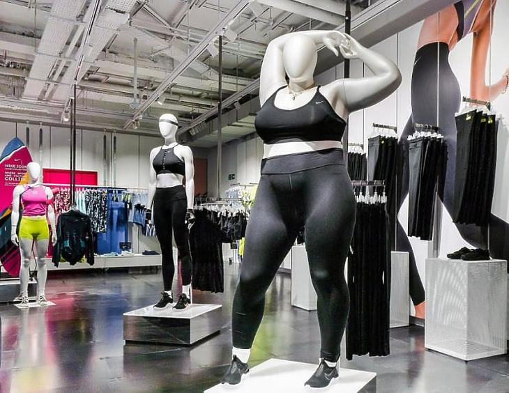 Plus size baba a Nike üzletében (Forrás: Nike)