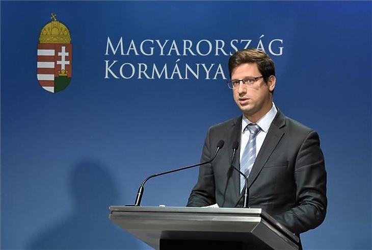 Gulyás Gergely, a Miniszterelnökséget vezető miniszter a Kormányinfó sajtótájékoztatón a Miniszterelnöki Kabinetiroda Garibaldi utcai sajtótermében 2018. október 25-én. (Fotó: MTI/Máthé Zoltán)