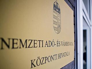 1,5 millió magyarnak üzen a NAV