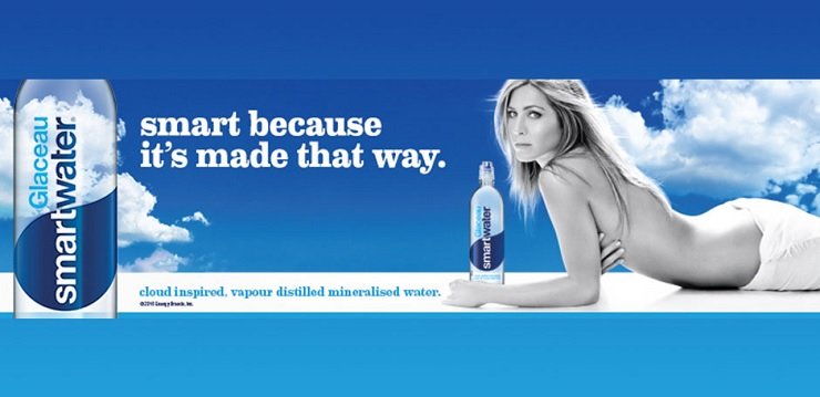 Az okosvizet JEnnifer Anistonnal reklámozza a Coca-Cola