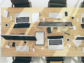 Kiberbiztonsági inkubációs programot indít Oszkó Péter cége