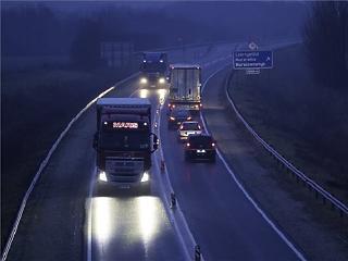 Emiatt fogják megfojtani a közép-európai kamionozást a nyugati kormányok