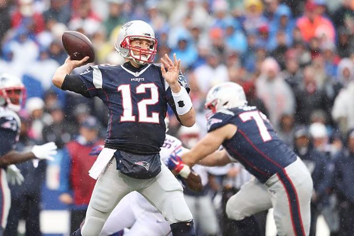 Tom Brady csapatot váltott