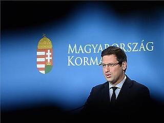 Gulyás Gergely szerint év végén lehet megtartani a népszavazást a gyermekvédelmi törvényről