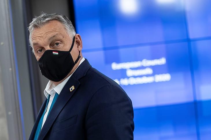 Sarokba szorítanák: Orbán Viktor az EU-csúcson Brüsszelben 2020. október 16-án . (Fotó: Európai Tanács)