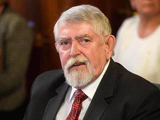 Ombudsman: jogsértő volt Kásler Miklós PCR-tesztes rendelkezése, vonja vissza!