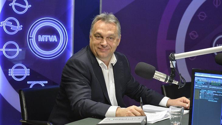 Orbán Viktor a Kossuth Rádió stúdiójában, még egy korábbi alkalommal. (Fotó: MTI)