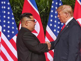 Végre találkozott Trump és Kim, és aláírtak egy teljes atommentesítésről szóló dokumentumot
