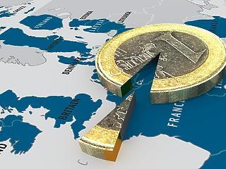 900 fontot veszítettek a brit háztartások a Brexitet övező bizonytalanságok miatt