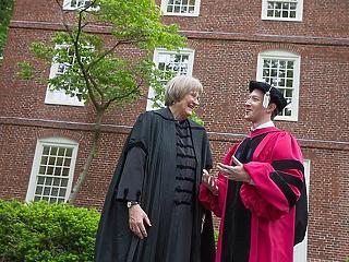Zuckerberg: Baj van, ha én milliárdokat kereshetek, más meg nem tudja fizetni a diákkölcsöneit