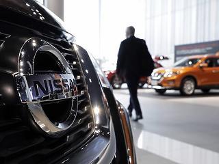 1,2 millió autót hív vissza a Nissan
