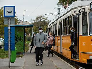 Holnaptól ingyen utazhatnak Budapesten a 14 év alattiak