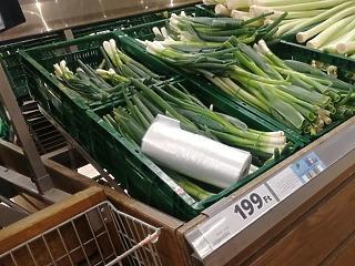 Elképesztő árak a hiperek zöldségosztályain – méregdrágán árulják a krumplit