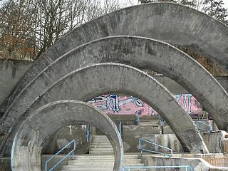 Visegrádon is átírják kicsit az építési szabályokat, de akciósan fürödhetnek a helyiek