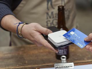 15 ezer forintra emelné a PIN-kód nélküli kártyás vásárlások határát az MNB