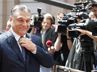 Levelet küld híveinek Orbán Viktor, és pénzt kér tőlük