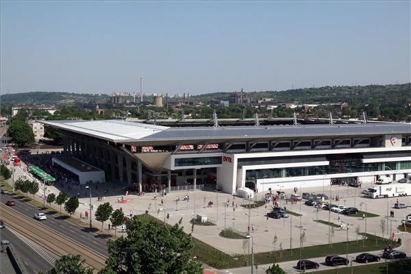 A DVTK csapatának otthont adó új Diósgyőri Stadion 2018. május 5-én, az avató napján. (MTI / Vajda János)