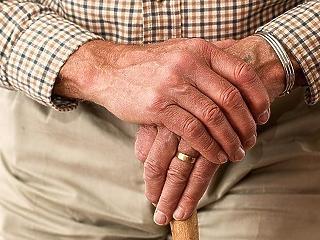Az idősek harmadik oltását már szervezik az otthonokban, csak az ott dolgozóknak ne legyen kötelező