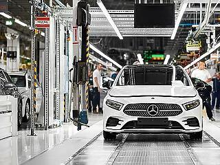 A kecskeméti Mercedes-gyár is leáll legalább két hétre