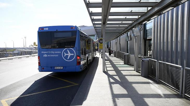 Majdnem teljesen üres a reptér. Fotó: MTI/Kovács Tamás