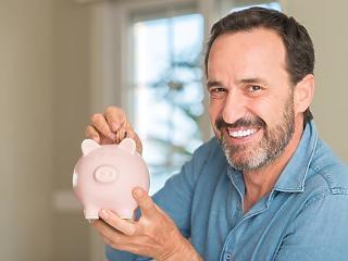 Olcsóbbá vált a nyugdíjra való megtakarítás