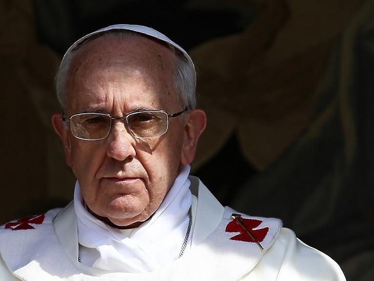 Valószinüleg a pápa is megkapja az oltást (fotó: MTI/EPA)