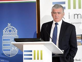 400 millió euró hitelt kap az Eximbank