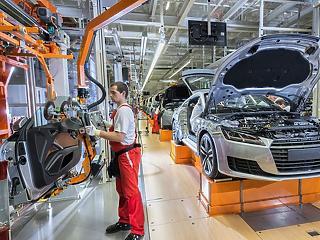 A német autógyárak húzhatták le a magyar ipart
