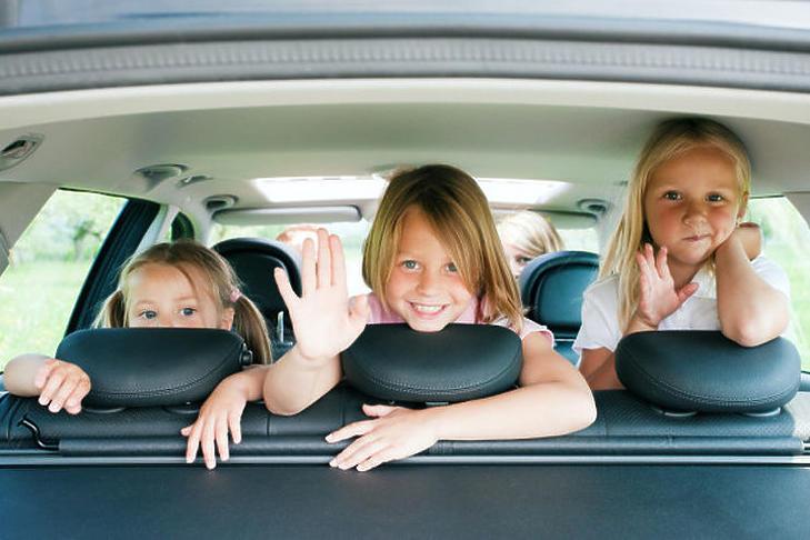 Három gyerek, négy kerék (Fotó: depositphotos.com)