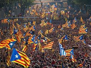 Kikiáltották a Katalán Köztársaságot