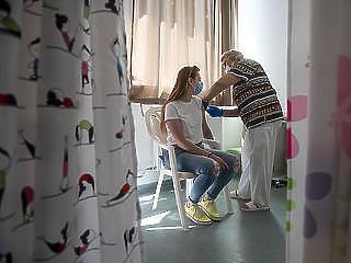 Koronavírus: 45 beteg hunyt el mára virradóra