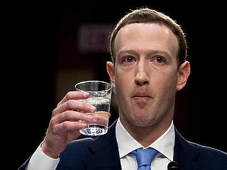 Maximális bírsággal sújtották a Facebookot Nagy-Britanniában a Cambridge Analytica-botrány miatt