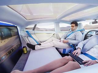 Aludni és szórakozni akarnak az emberek az önvezető autókban
