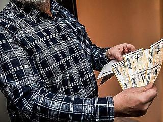 Holnap dől el, mennyi plusznyugdíjat kapnak az idősek novemberben