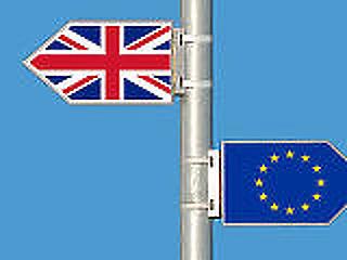 A Brexit miatt máris menekülőre fogta a brit cégek harmada