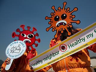 Egy felmérés szerint a magyarok tizede él hónapról hónapra, kétharmad aggódik a járvány miatt