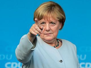 Magyarországot is bírálta Merkel