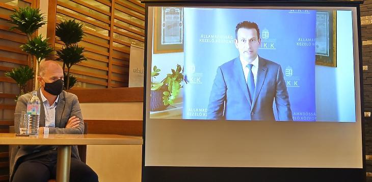 Kurali Zoltán, az ÁKK vezérigazgatója videón jelentkezett be a sajtótájékoztatóra. Fotó: Bánkuti András