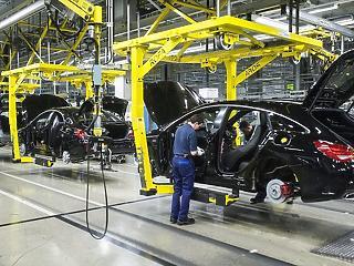 Kedden újraindul a kecskeméti Mercedes-gyár