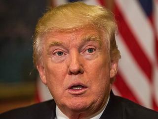 Trump most a devizapiacon akar háborúzni