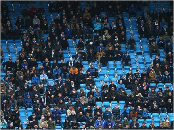 Üres székek a Lyon elleni hazai Bajnokok Ligája meccsen a Manchester City stadionjában (Fotó: Manchester Evening News)