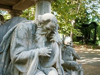 Jön a halottak napja: a temetői boltokra is szigorú előírások vonatkoznak