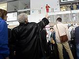 Mérik az Olaszországból érkezők testhőmérsékletét a budapesti és debreceni reptéren