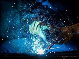 Már csak kisebb mértékben csökkent az ipari termelés augusztusban