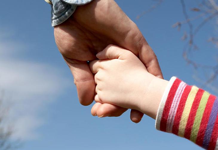 A gyermeket nevelő családok a nyugdíjasok, a munkanélküliek és a közfoglalkoztatottak a kedveznményezettek