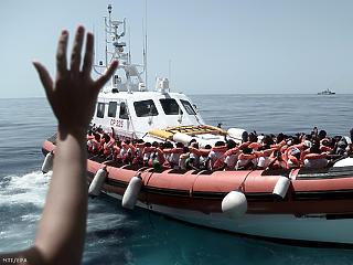 6 ezer eurót fizetne az EU minden Földközi-tengerről kimentett migráns befogadásáért